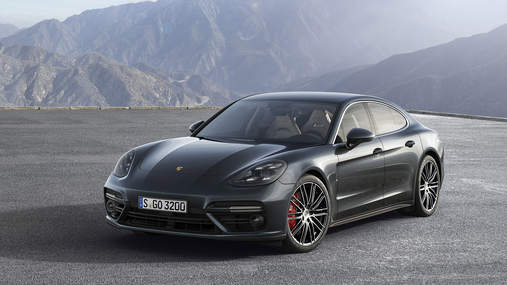 the all new 2017 porsche panamera. Black Bedroom Furniture Sets. Home Design Ideas